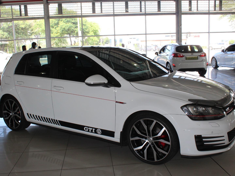 2015 Volkswagen Golf GTi Auto