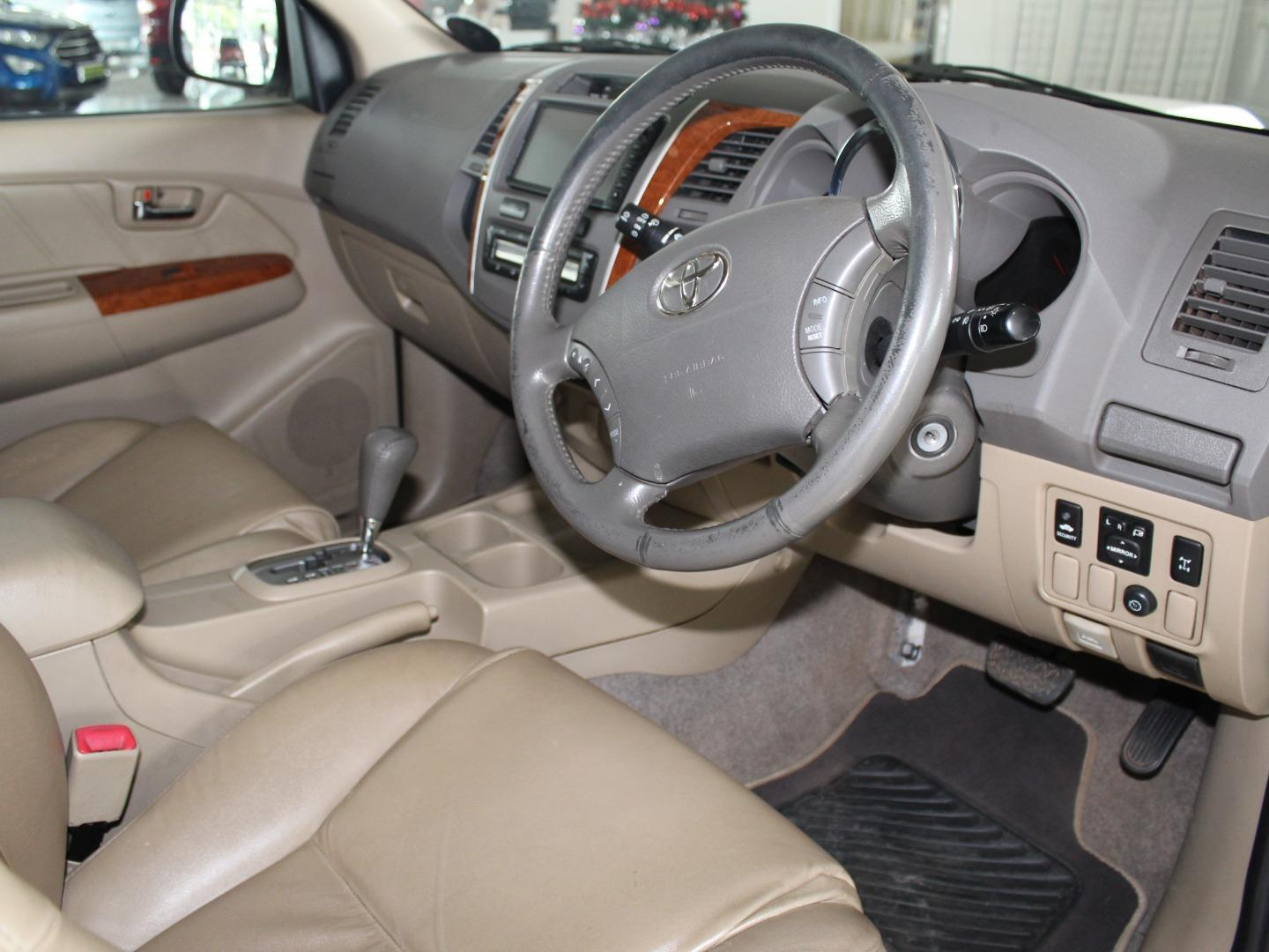 2011 Toyota Fortuner 3.0D-4D Auto- Picture 3