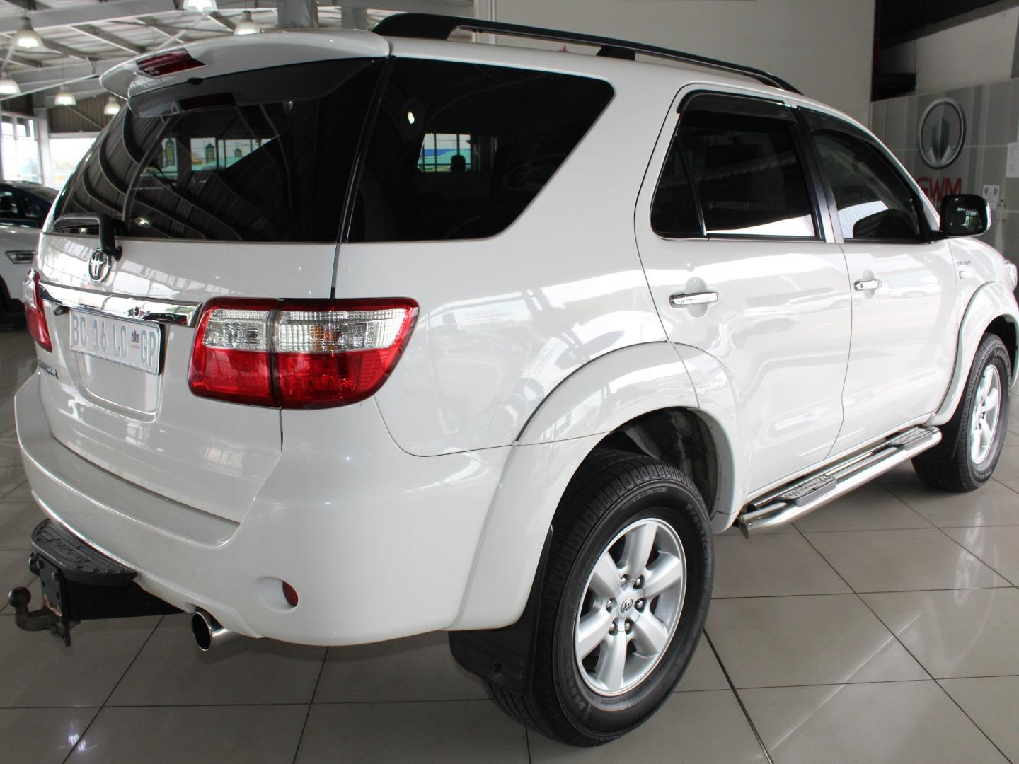 2011 Toyota Fortuner 3.0D-4D Auto- Picture 6