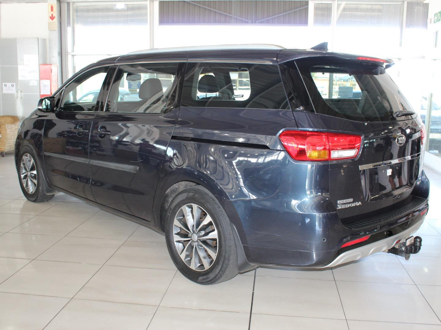 2015 Kia Grand Sedona 2.2CRDi SX- Picture 3