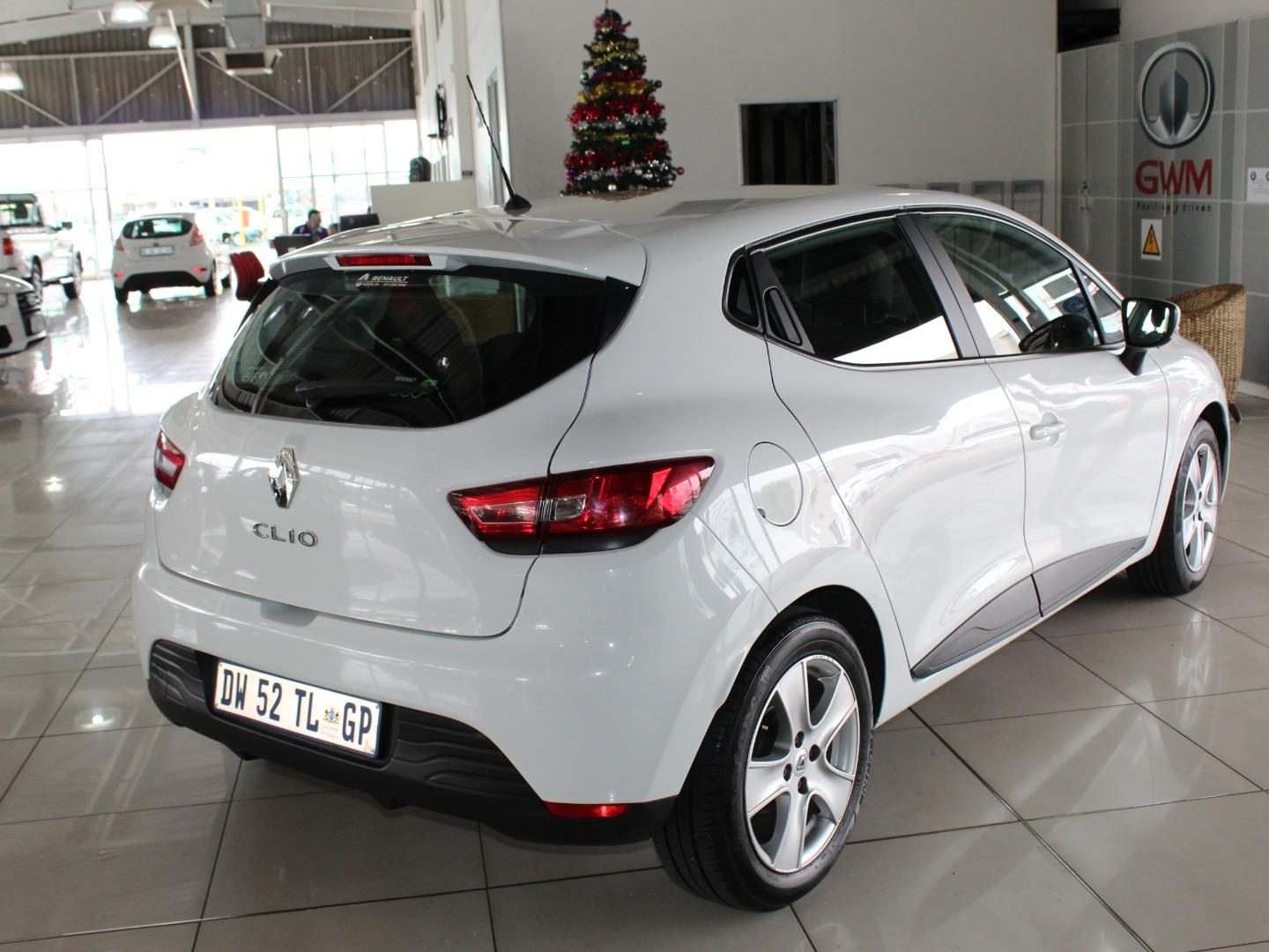 2015 Renault Clio 66kW Turbo Expression- Picture 2