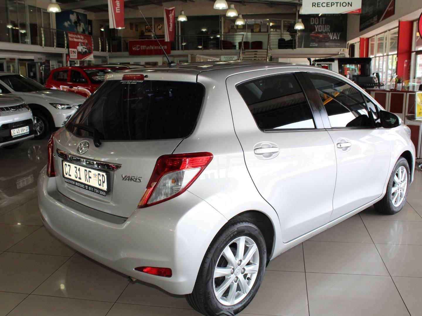 2014 Toyota Yaris 5-Door 1.0 XS- Picture 4