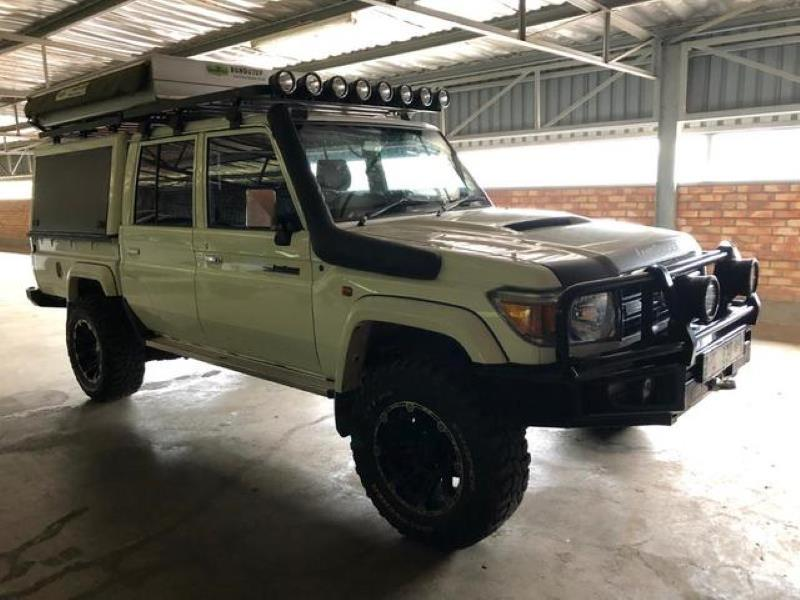 Toyota Land Cruiser 79 4 5D-4D LX V8 Double Cab for sale in Louis