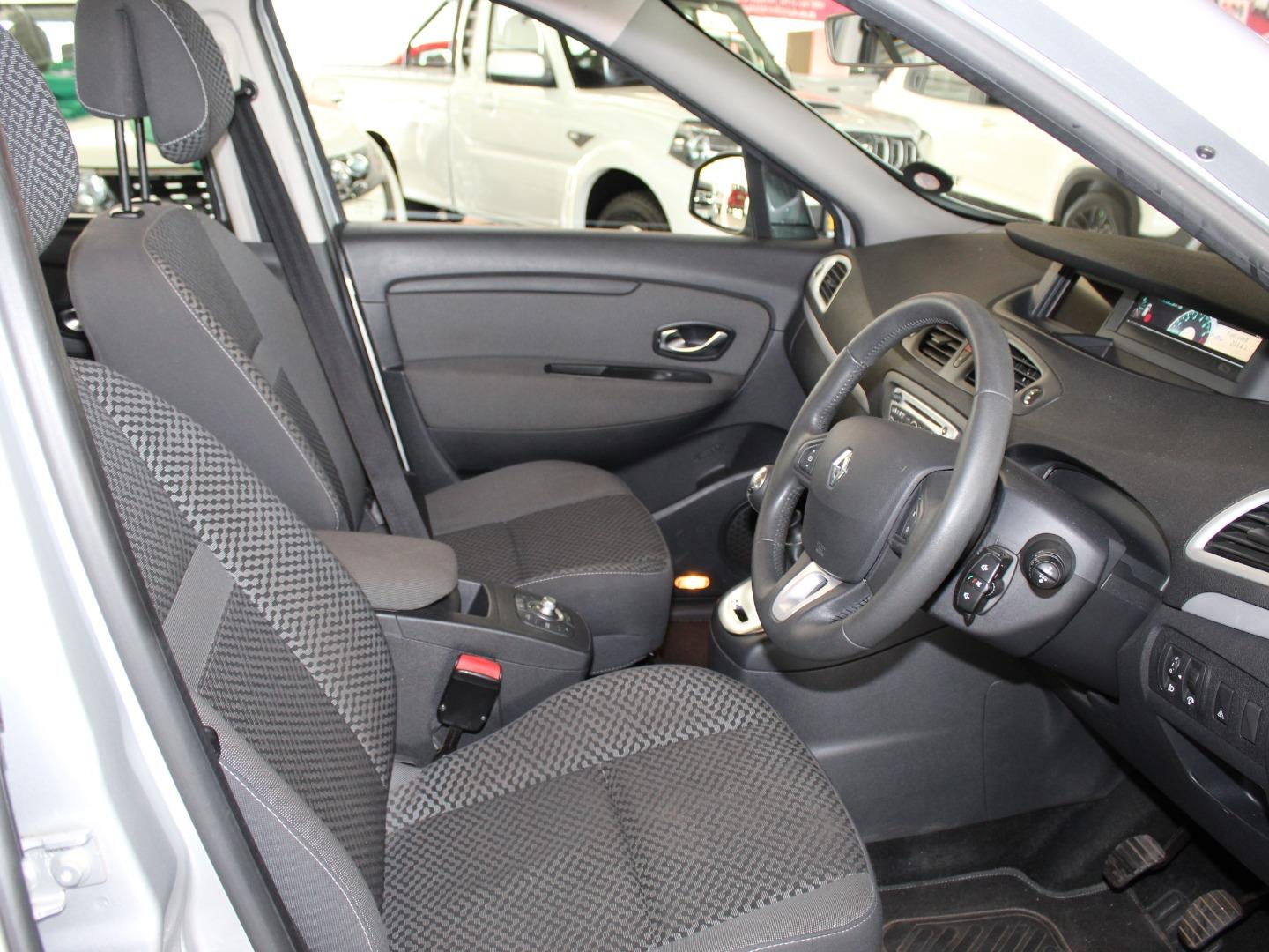 2012 Renault Scenic 1.6 Expression- Picture 7