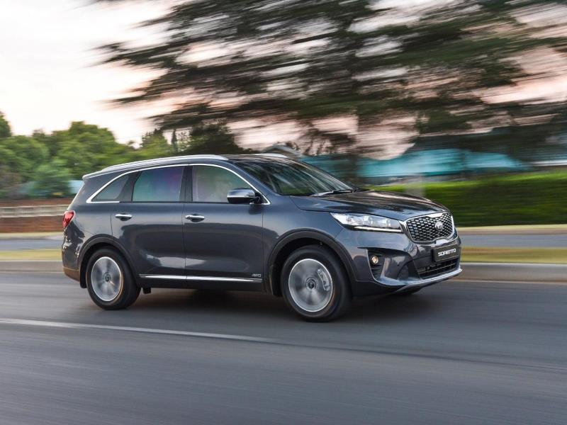 Kia Sorento Vs Hyundai Santa Fe Vs Toyota Fortuner Motoring News