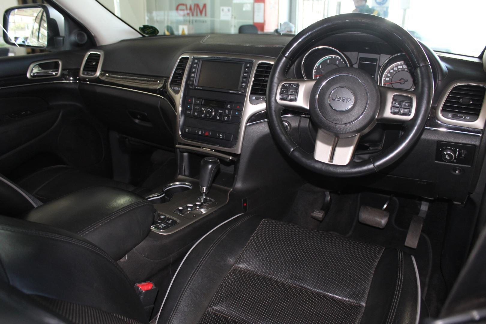 2013 Jeep Grand Cherokee 3.0CRD Overland Off-Road Adventure II- Picture 5