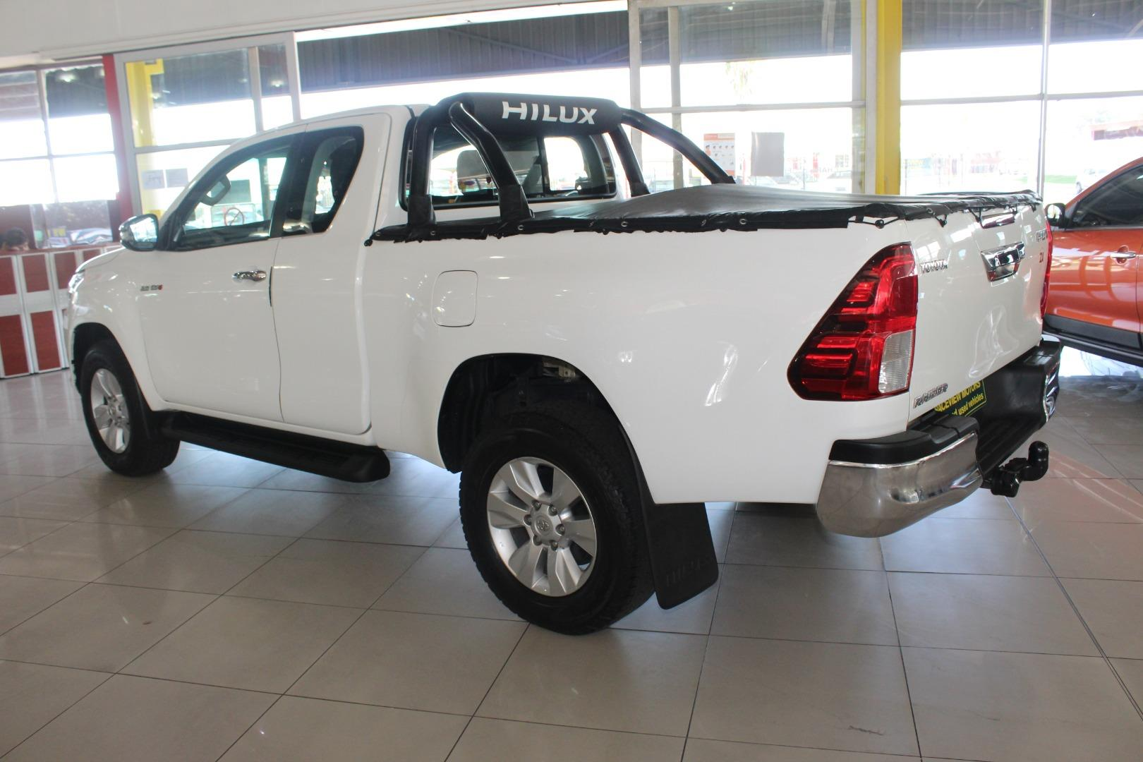 2017 Toyota Hilux 2.8GD-6 Xtra cab Raider- Picture 3