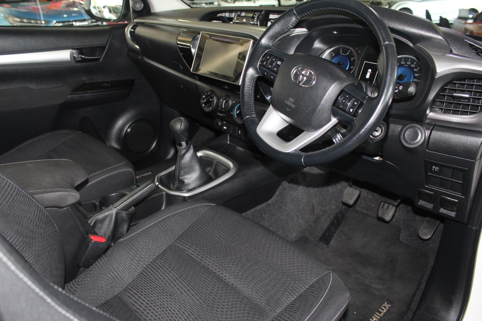 2017 Toyota Hilux 2.8GD-6 Xtra cab Raider- Picture 5