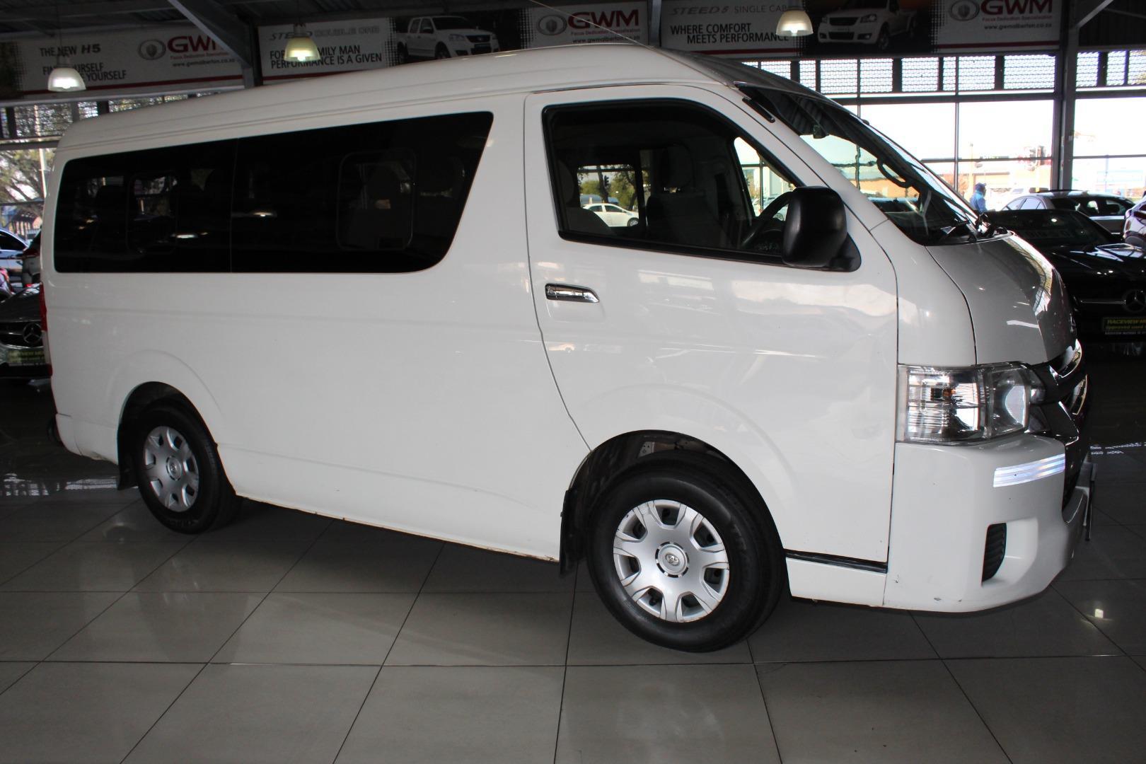 2015 Toyota Quantum 2.7 GL 10-seater bus