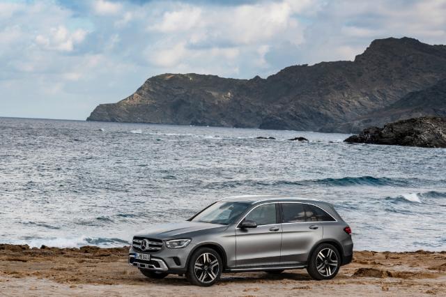 Mercedes-Benz GLC (2020) Aileler İçin Uygun mu ?