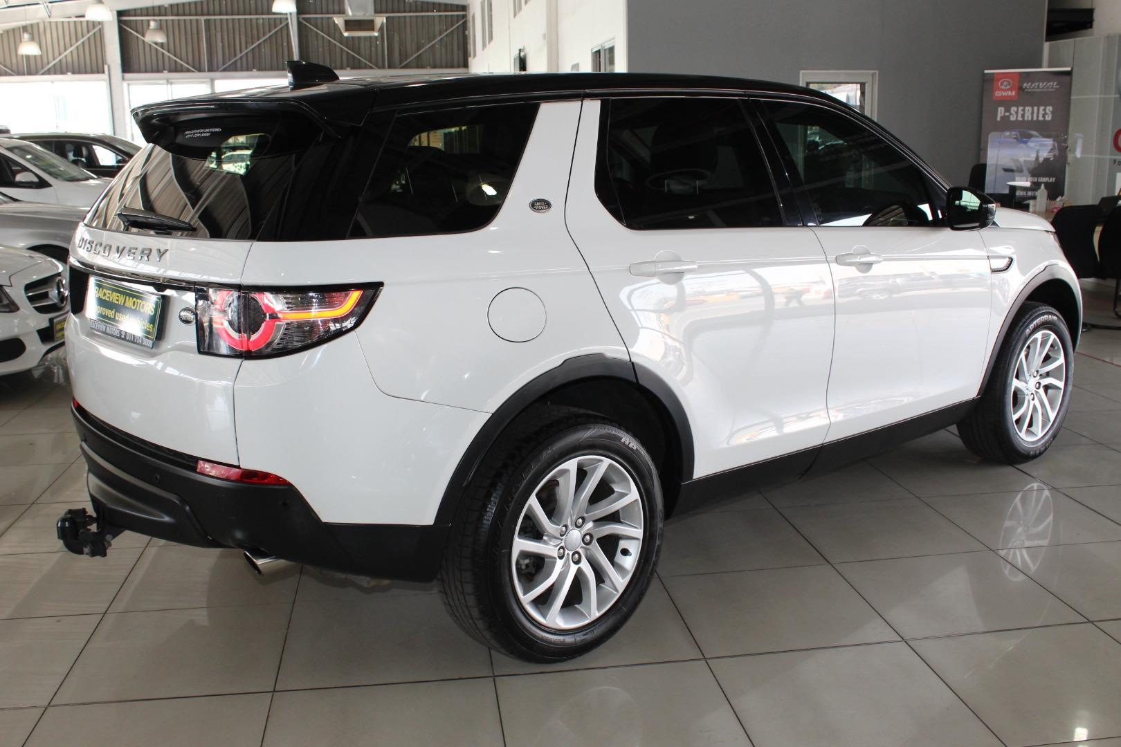 2017 Land Rover Discovery Sport HSE TD4- Picture 2