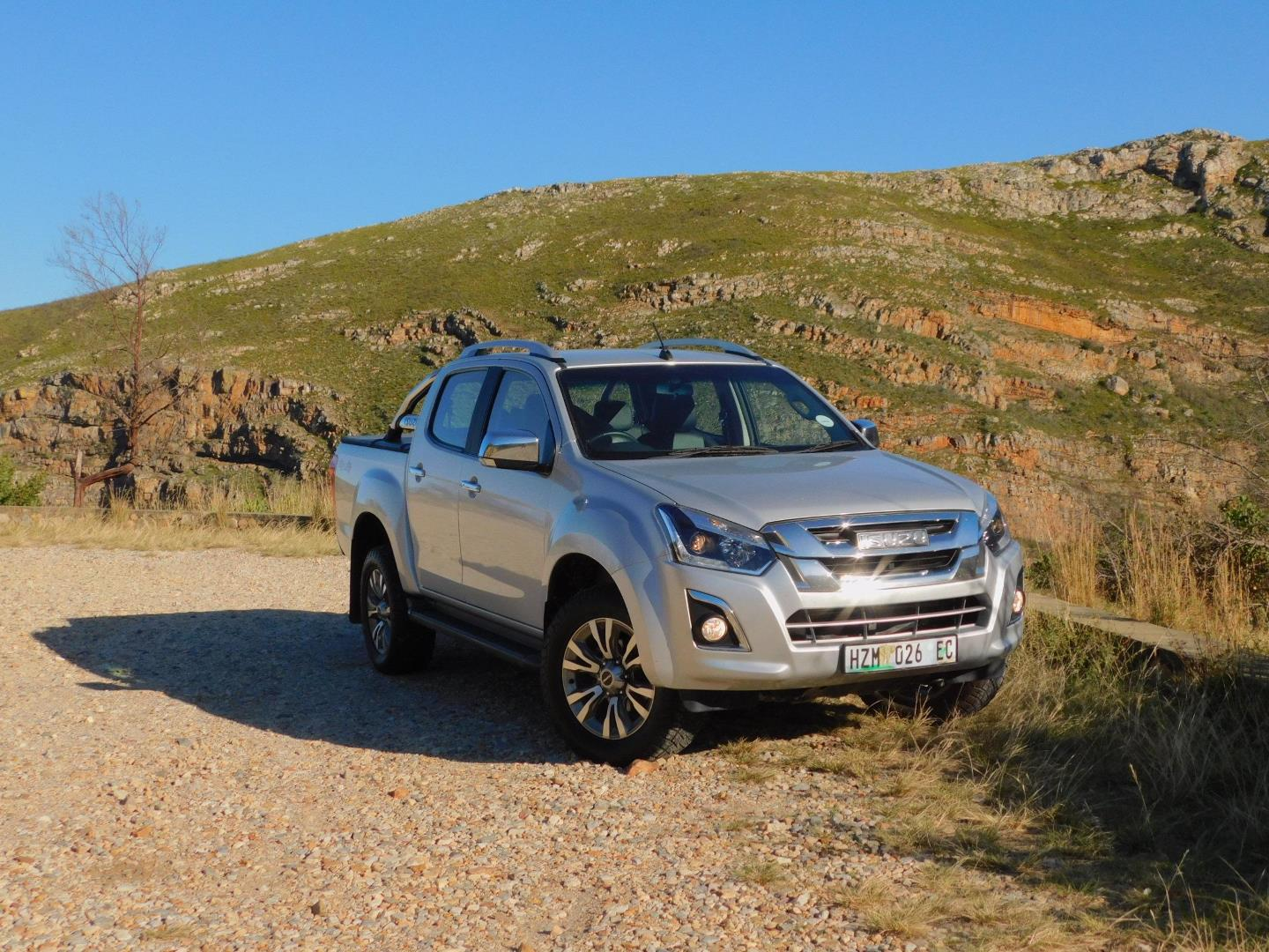 Isuzu KB300 D-Teq double cab 4x4 LX - Your friend in leisure, and