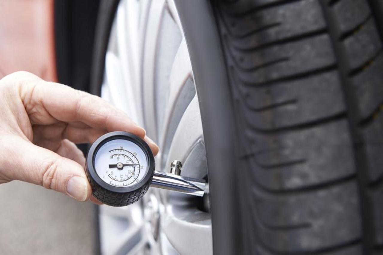 Find Out What S The Correct Tyre Pressure For Your Bmw 3 Series Motoring News And Advice Autotrader