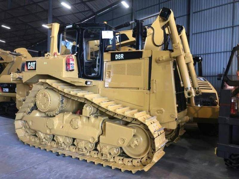 Caterpillar D8R for sale in Johannesburg - ID: 25076662