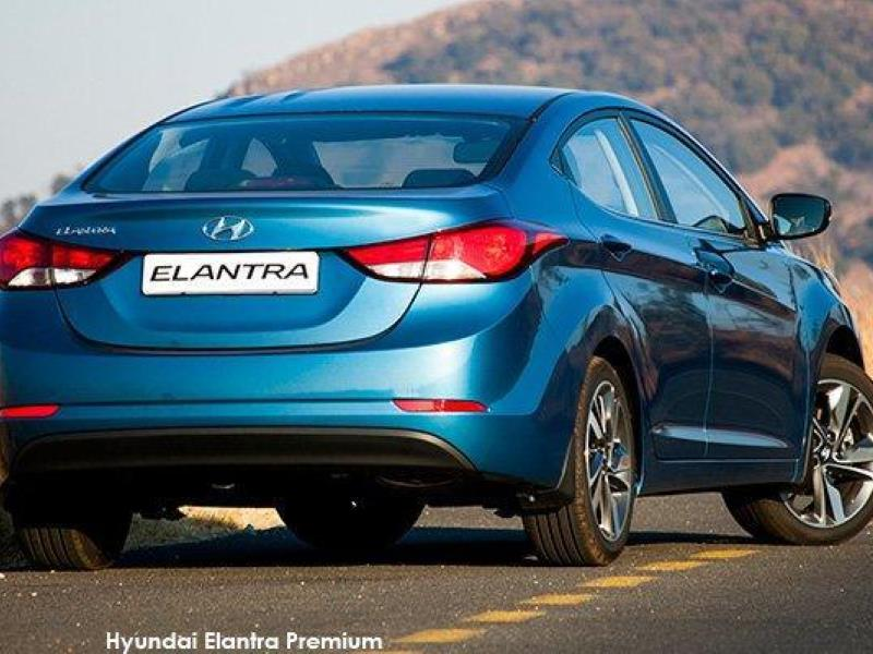 2014 Hyundai Elantra gets fresh new looks - inside and out