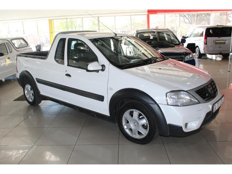 2015 Nissan NP200 1.5dCi Safety Pack