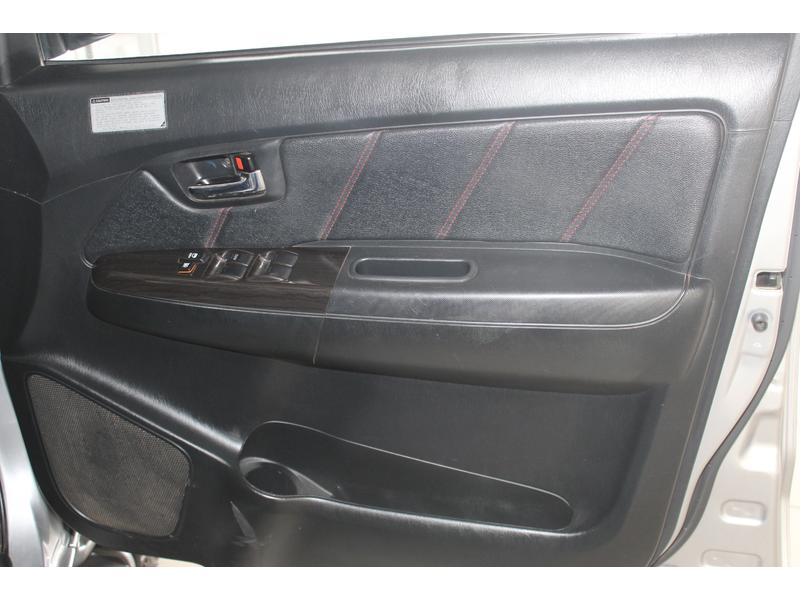 2015 Toyota Fortuner 3.0D-4D Auto- Picture 2