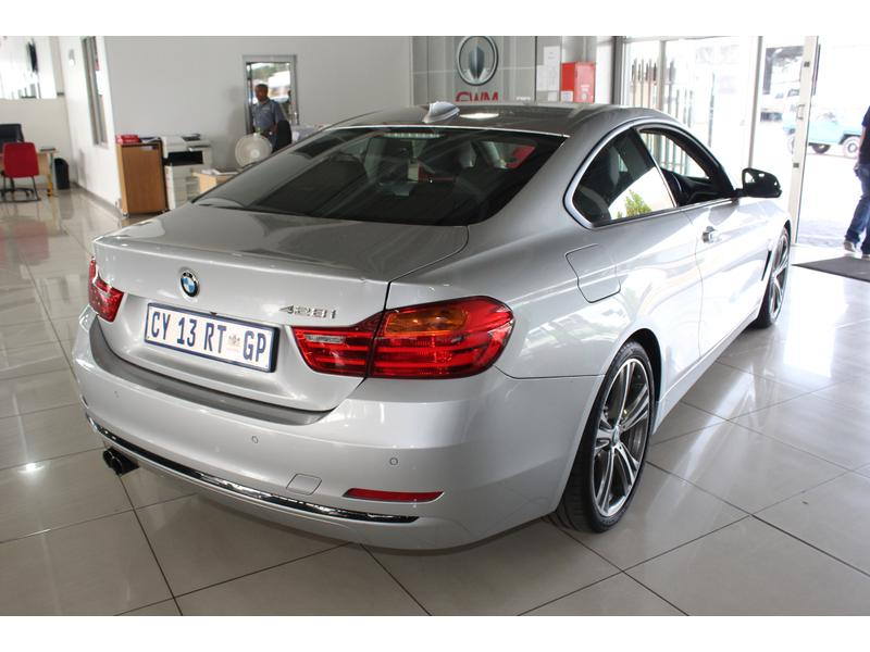 2014 BMW 4 Series 428i Coupe Modern Auto- Picture 5