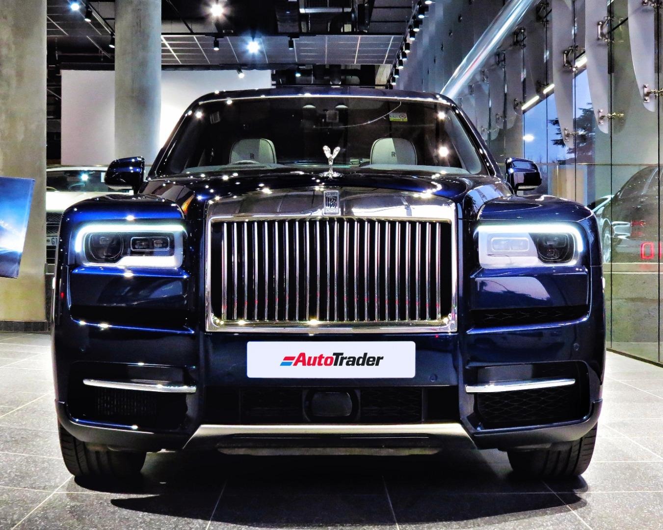 The Crown Jewel Of Suvs Rolls Royce Cullinan Expert Rolls Royce Car Reviews Autotrader