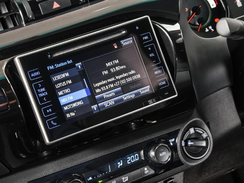 Infotainment comparison – Toyota Hilux vs  Ford Ranger vs  Nissan
