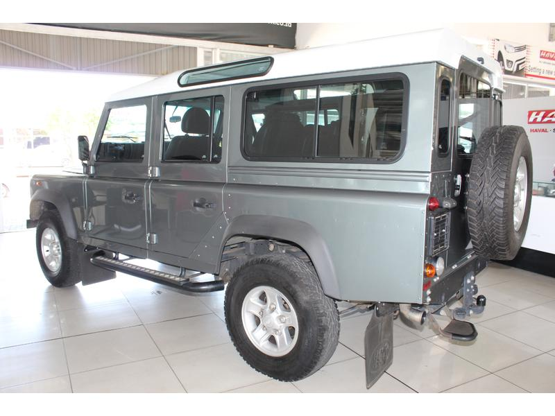 2015 Land Rover Defender 110 TD Station Wagon S- Picture 7