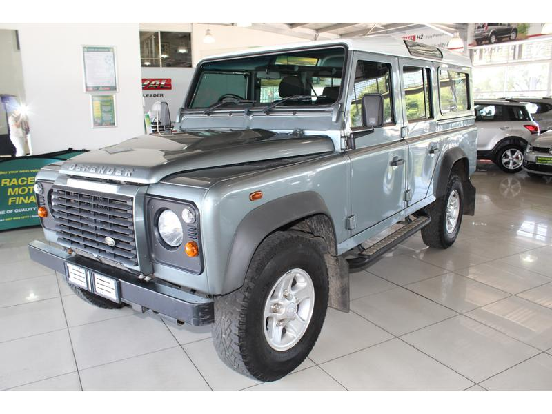 2015 Land Rover Defender 110 TD Station Wagon S- Picture 8