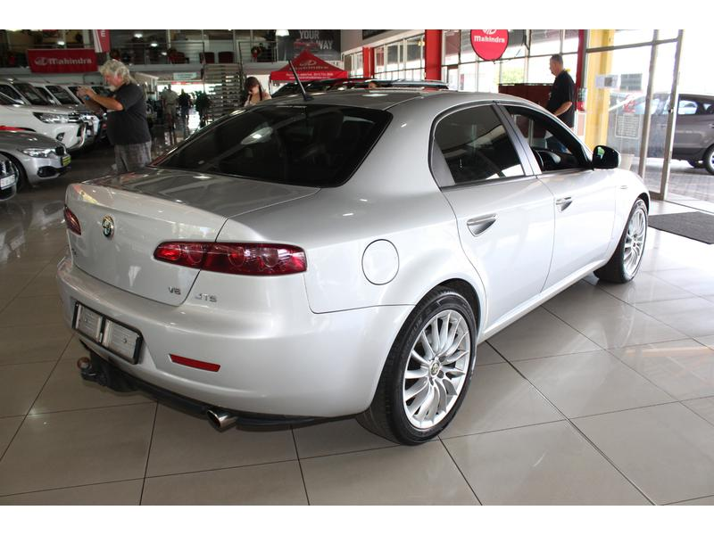 2012 Alfa Romeo 159 3.2 Q4 Distinctive- Picture 2