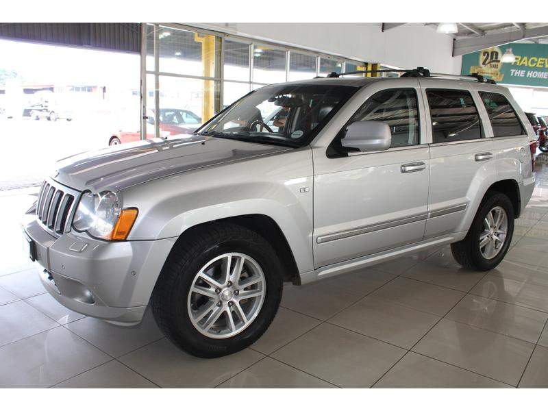 2010 Jeep Grand Cherokee 3.0L CRD Overland- Picture 2