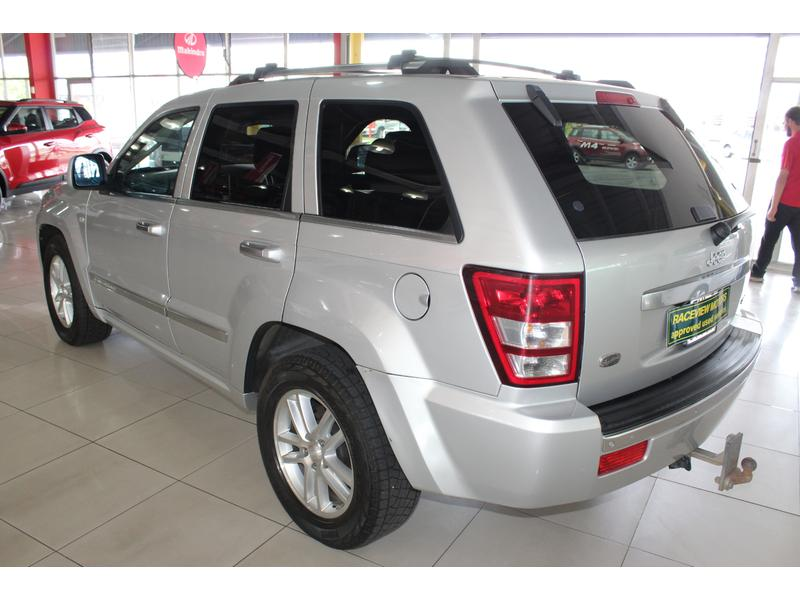 2010 Jeep Grand Cherokee 3.0L CRD Overland- Picture 3