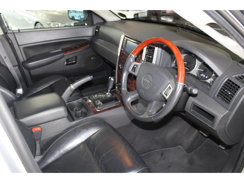 2010 Jeep Grand Cherokee 3.0L CRD Overland- Picture 5