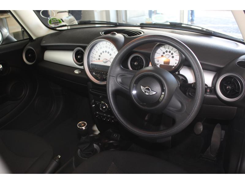 2014 MINI Hatch One- Picture 8