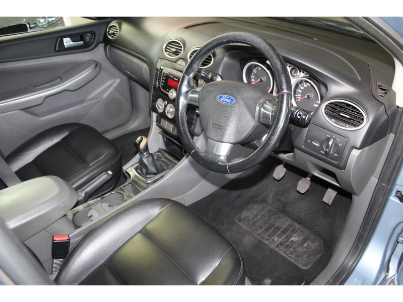 2010 Ford Focus 1.8 5-Door Si- Picture 5