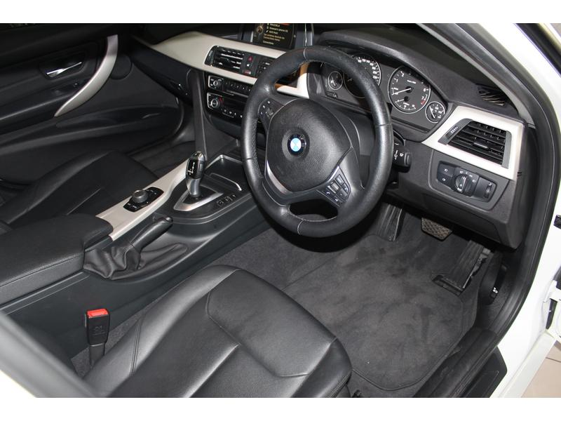 2016 BMW 3 Series 320i Auto- Picture 6