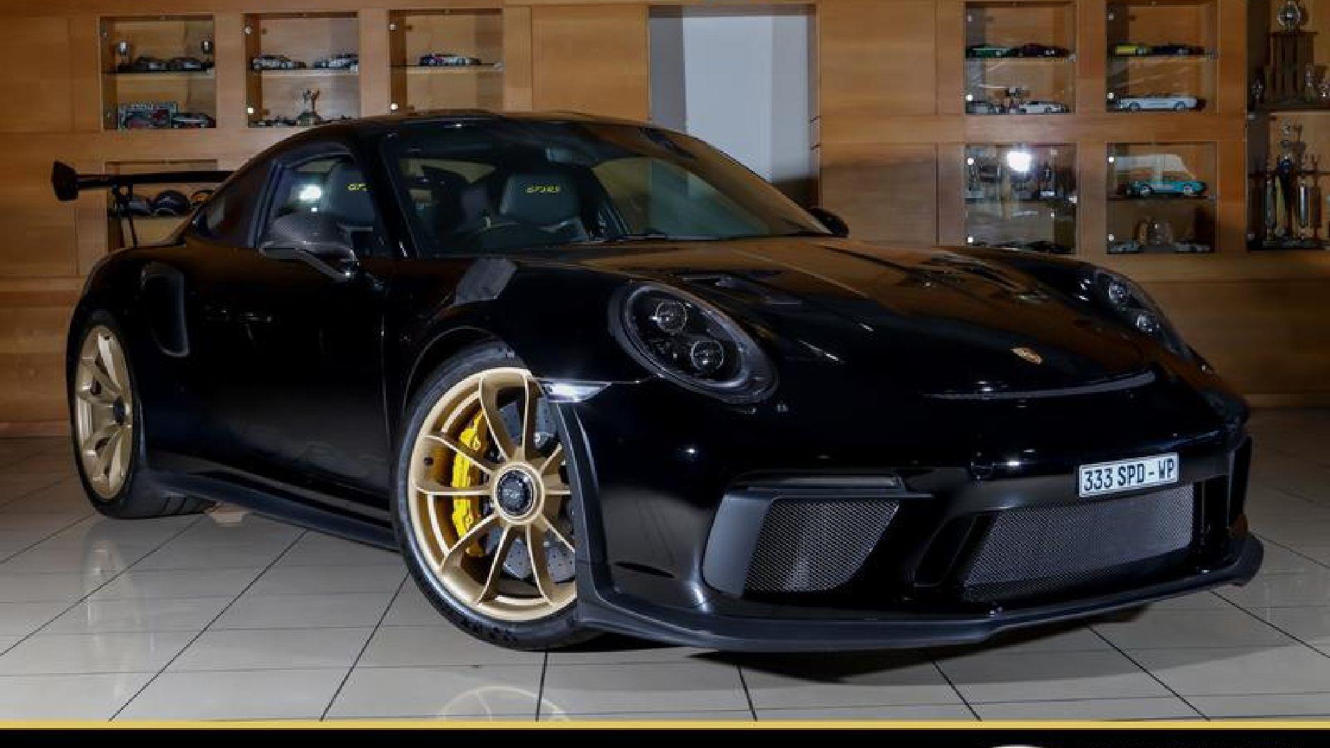 Porsche 911 (GT3 RS) at Speedy Car Sales