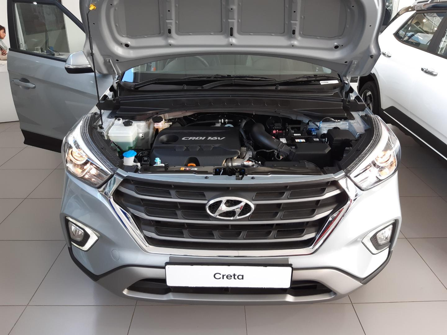 How to replace the car battery in a Hyundai Creta ...