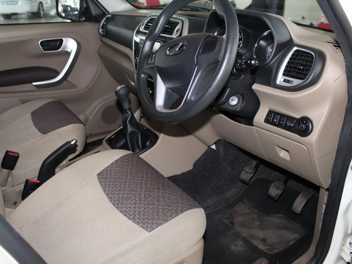 2018 Mahindra TUV300 1.5CRDe T8- Picture 4