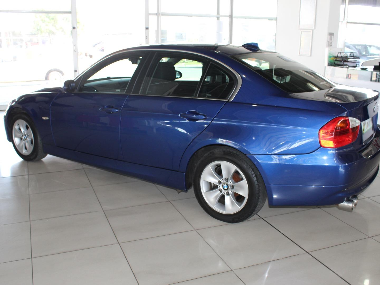 2008 BMW 3 Series 323i- Picture 4