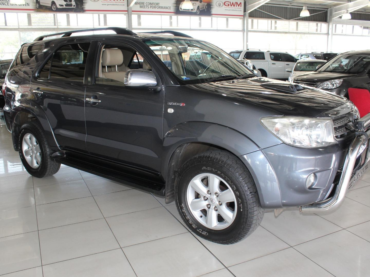 2011 Toyota Fortuner 3.0D-4D Auto- Picture 1