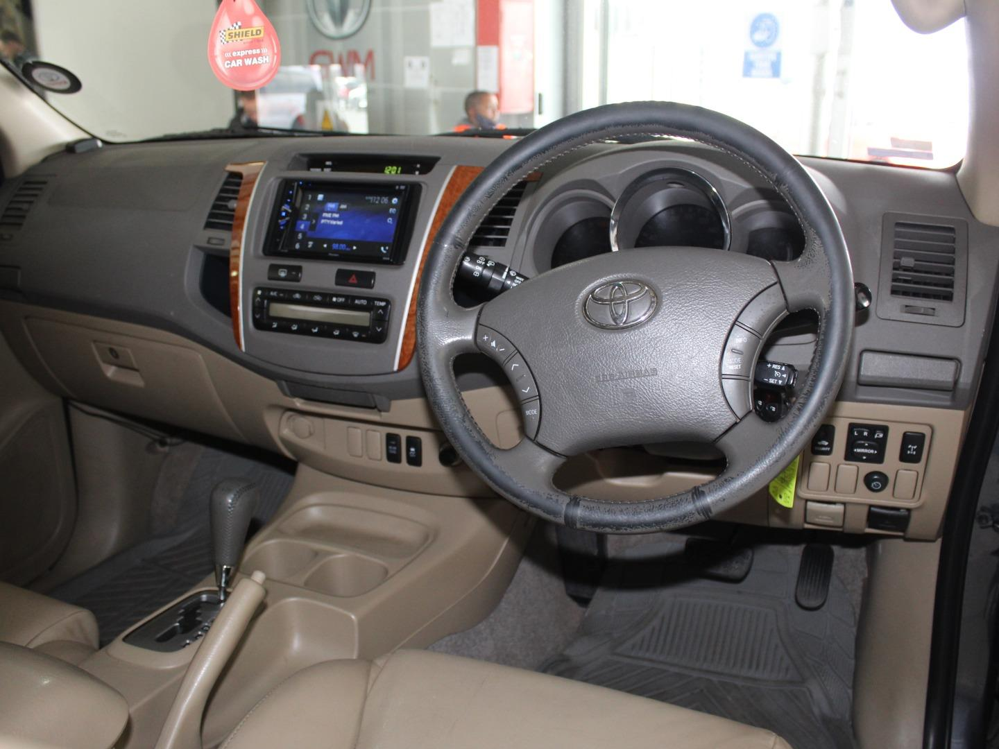 2011 Toyota Fortuner 3.0D-4D Auto- Picture 5