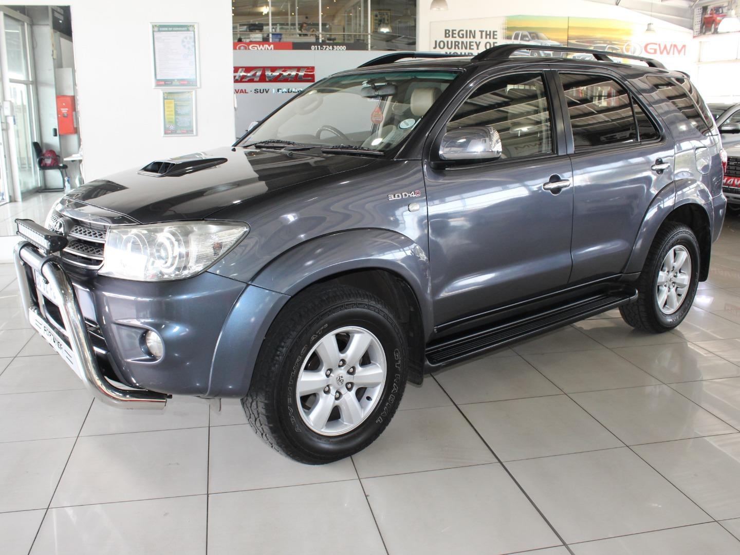 2011 Toyota Fortuner 3.0D-4D Auto- Picture 8