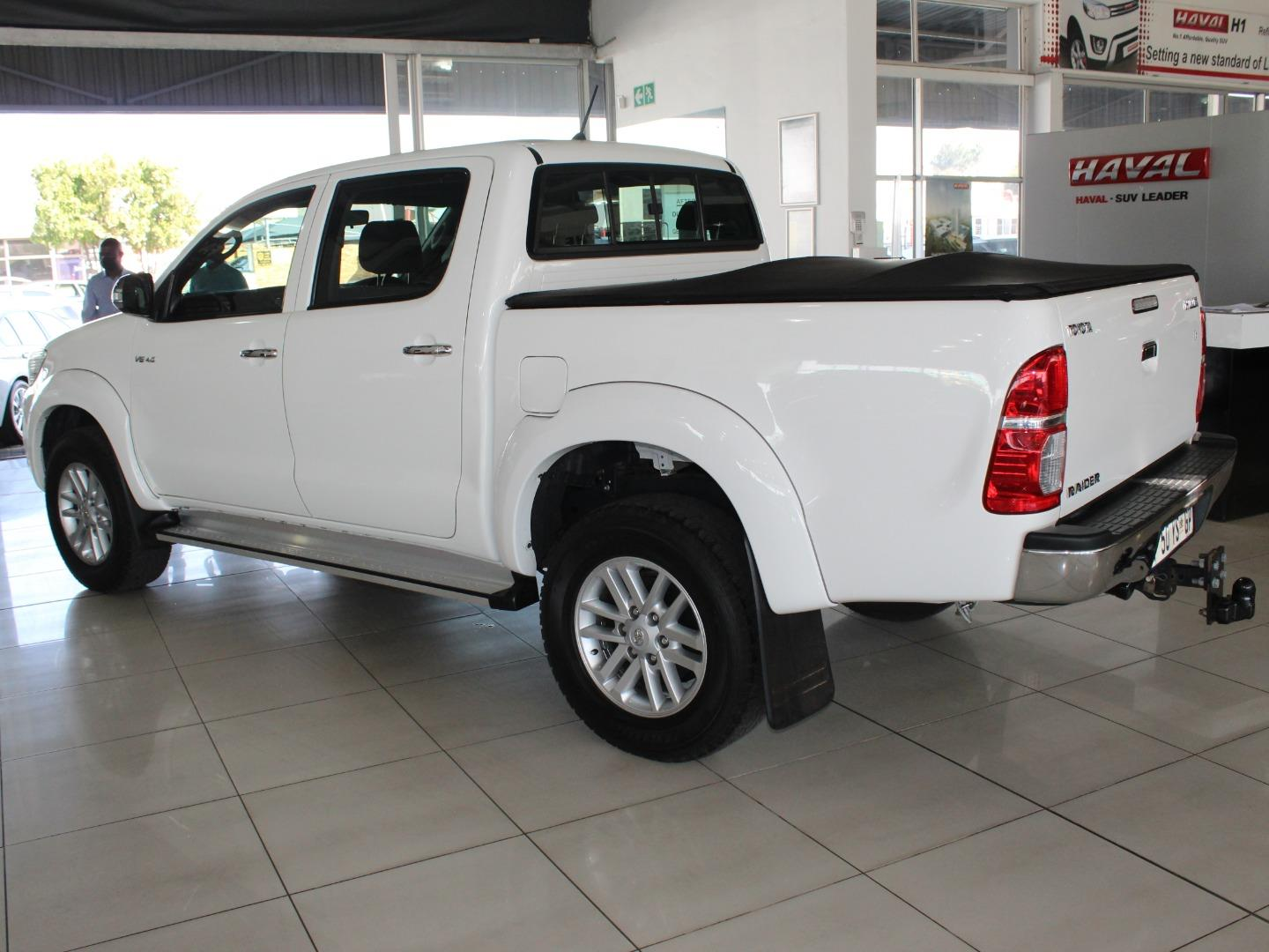 2014 Toyota Hilux 4.0 V6 Double Cab Raider- Picture 6
