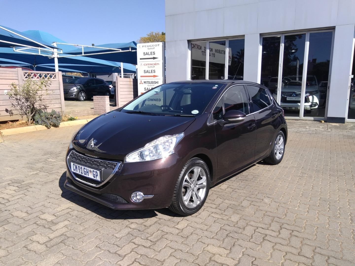 2013 Peugeot 208 1.6 Vti Allure At