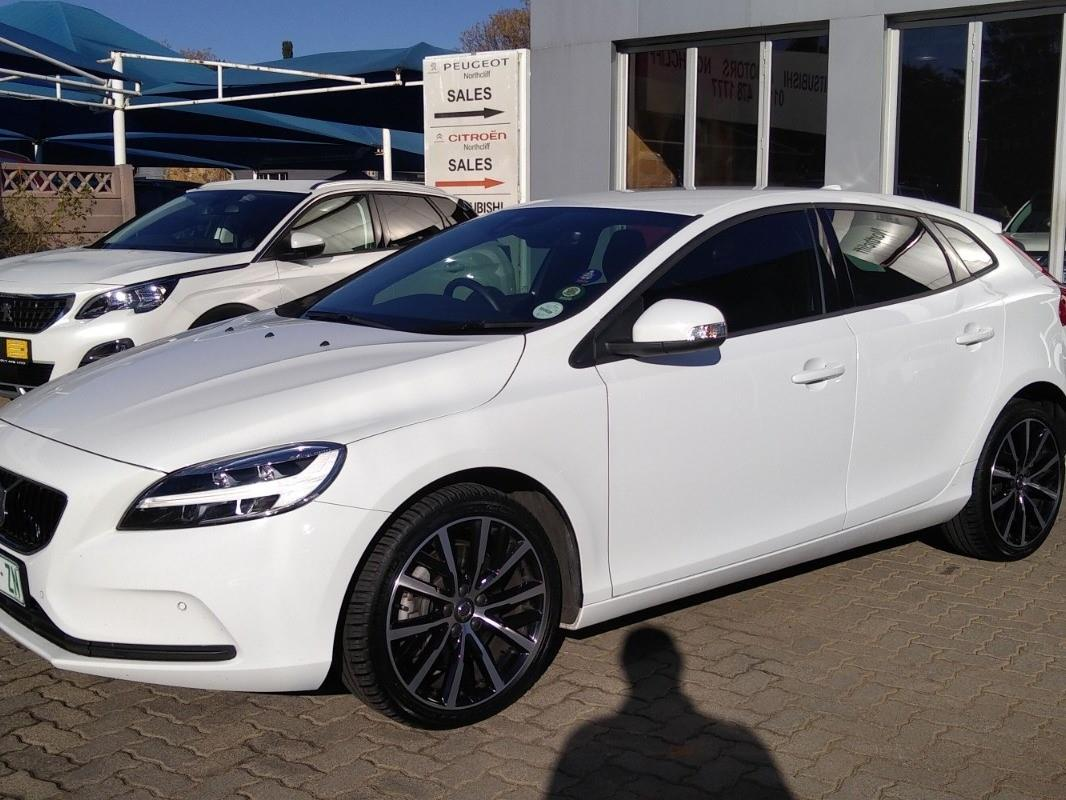 2019 Volvo V40 T2 Kinetic Geartronic