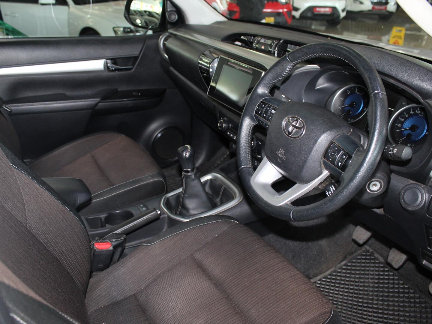2017 Toyota Hilux 2.8GD-6 Double Cab 4x4 Raider- Picture 6