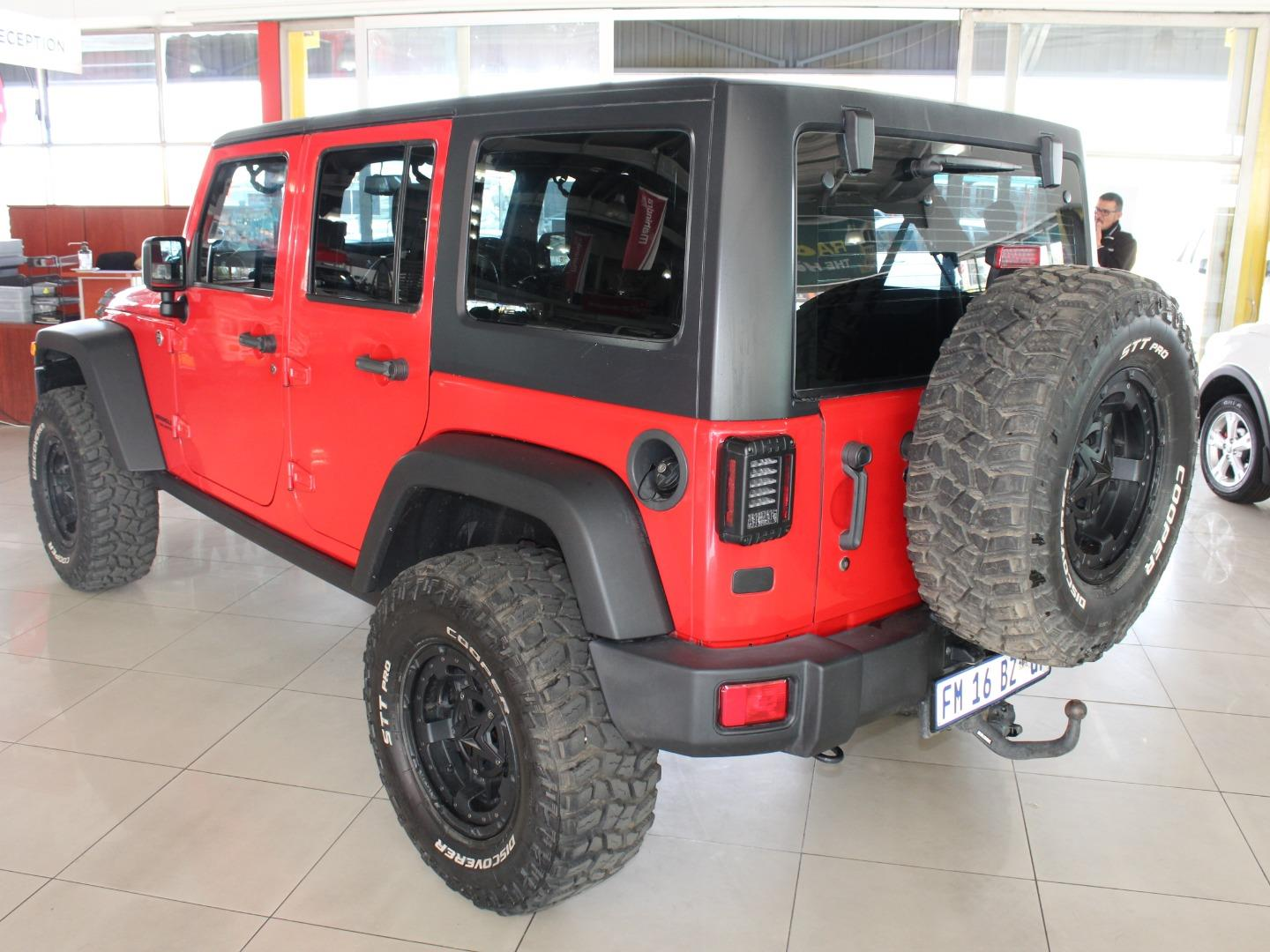 2016 Jeep Wrangler Unlimited 3.6L Rubicon- Picture 6