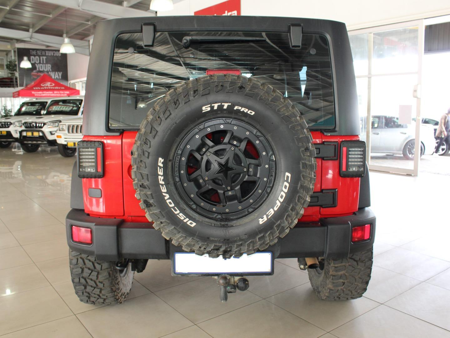 2016 Jeep Wrangler Unlimited 3.6L Rubicon- Picture 7