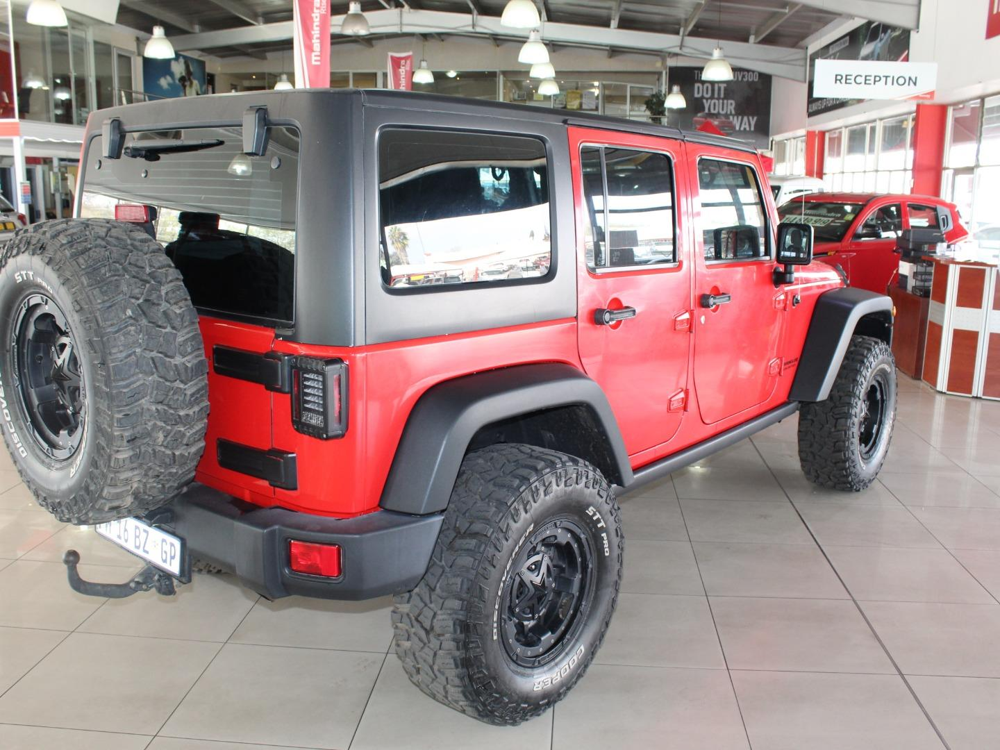2016 Jeep Wrangler Unlimited 3.6L Rubicon- Picture 8