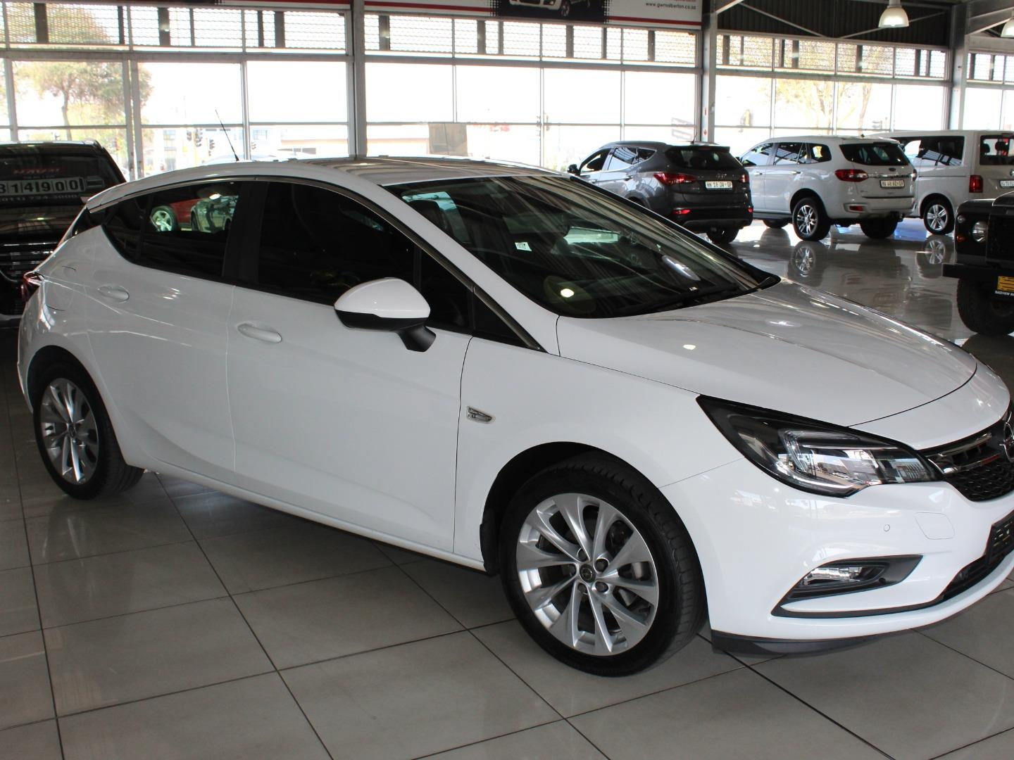 2019 Opel Astra Hatch 1.0T Enjoy