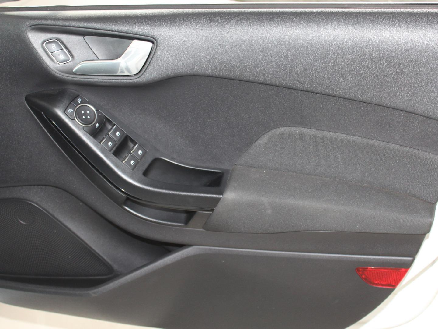 2019 Ford Fiesta 1.0T Trend- Picture 2