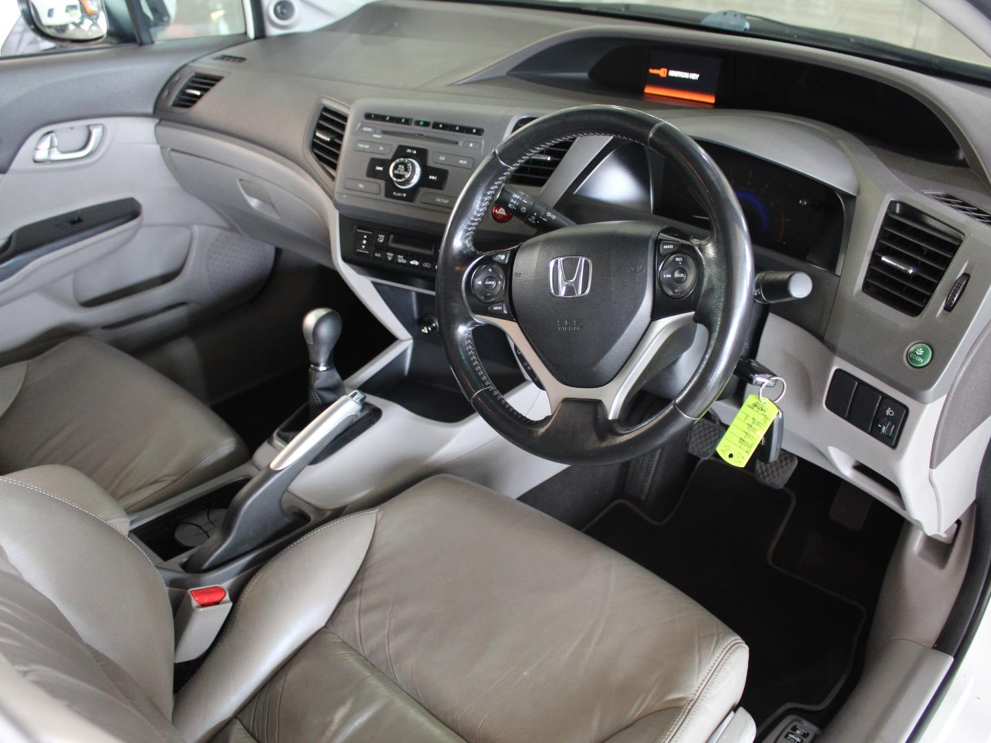 2012 Honda Jazz 1.4- Picture 3